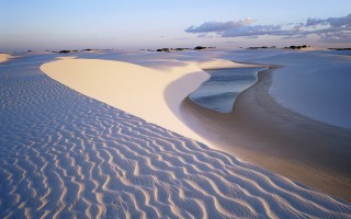 dunes-near-lagoa-bonita-parque-nacional-dos-lencois-maranhenses-brazil